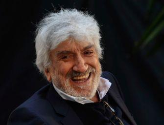 Morto nel giorno del suo 80esimo compleanno Gigi Proietti, una vita tra cinema e teatro