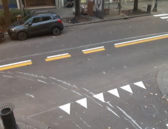 Reggio. Corso Garibaldi: strisce rifatte e strada imbrattata