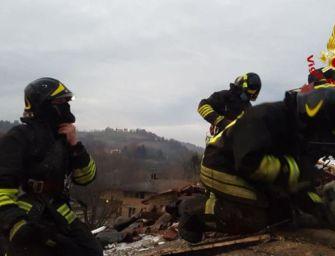 Incendio in una villetta a Castello di Serravalle, intossicata una persona