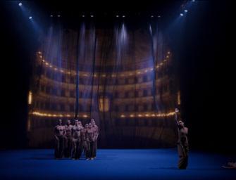 In piazza del Monte a Reggio un'installazione video di Teatri e Aterballetto per raccontare l'attesa