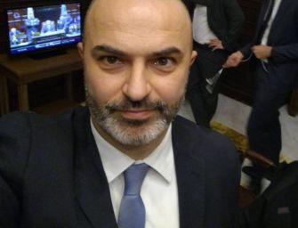 """Bologna. Due senatori M5S contro Bugani: """"Il Movimento non è un trampolino per le ambizioni personali"""""""