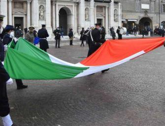 Mattarella: viva il Tricolore, è il simbolo d'identità nazionale anche nella pandemia