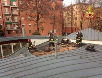 Incendio in una scuola d'infanzia di Bologna, bimbi evacuati ma nessun ferito