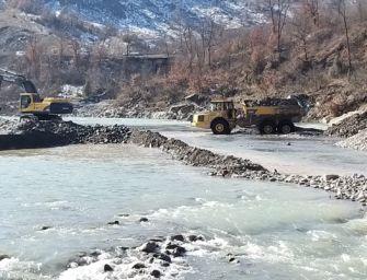 A Pavullo proseguono i lavori di deviazione del fiume Panaro per poter intervenire sul ponte Samone