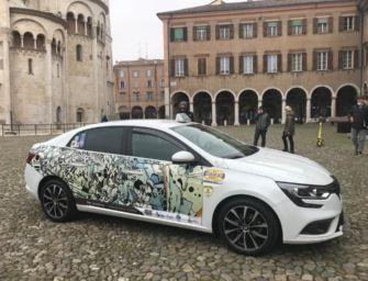 Gli artisti modenesi espongono le opere sui taxi