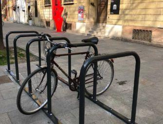 Reggio. Rastrelliere per biciclette in centro con formato antifurto: investimento da 70mila euro