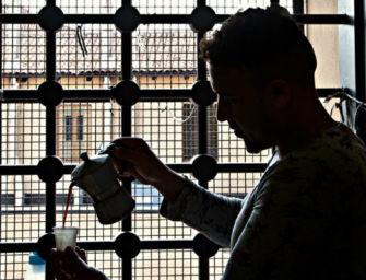 Ferrara. Sacerdote porta in carcere un pacco con hashish e un telefonino, denunciato