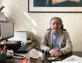 Reggio. Il direttore della Panizzi Giordano Gasparini va in pensione, il sindaco lo ringrazia