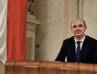 """Reggio, Lega in pressing su Vecchi: """"Chieda in procura se è indagato"""". Ma il consiglio comunale respinge l'odg"""