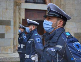 """A Modena sanzionati due attivisti """"no mask""""; uno di loro è stato anche denunciato per imbrattamento"""