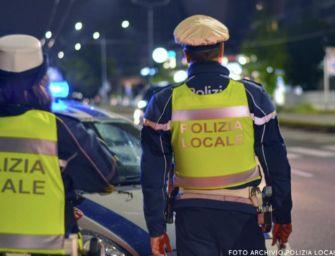 Modena. Ubriaco alla guida durante il coprifuoco, si schianta in auto: denunciato