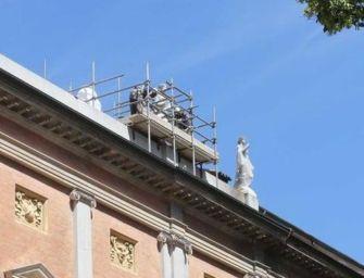 Reggio. Eboli (FdI): necessario il restauro per le statue del teatro Valli