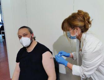 Sindaco Ferrara, polemica Fb su vaccinazione
