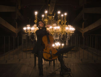 """Venerdì 9 aprile dal teatro Valli di Reggio il violoncello di Francesco Dillon per il progetto """"Camera Music"""""""