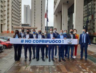 Flashmob della Lega davanti alla Regione: stop al coprifuoco