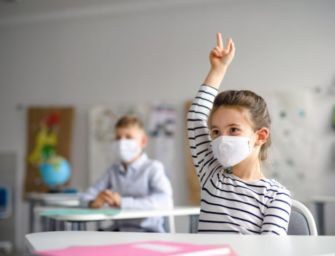 """Mercoledì 7 aprile a Reggio riaprono le scuole dai nidi alla prima media. Il sindaco Vecchi: """"Segnale di speranza"""""""