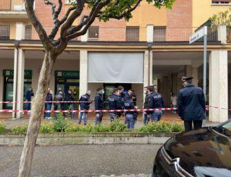 Rapina armata alla filiale di banca Carisbo a Bologna, spari contro una guardia giurata