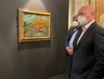 Bonaccini in visita alla mostra su Antonio Ligabue a Palazzo Bentivoglio di Gualtieri