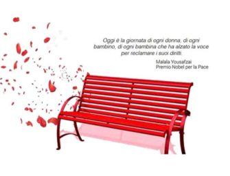 Una panchina rossa in centro ad Albinea contro la violenza