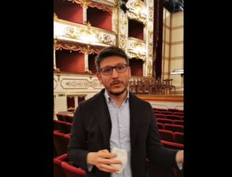 Reggio. Riparte la cultura, riapre il teatro Valli. Il sindaco e il direttore su Facebook