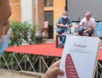 """Ai chiostri della Ghiara di Reggio presentato il libro """"Profughi – Dieci storie vere"""" di Piergiorgio Paterlini"""