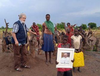 Da Papa Francesco 5mila euro al missionario reggiano padre Marco Canovi per l'Uganda