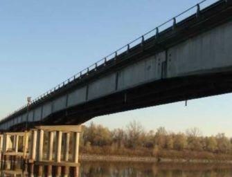 Ponte Guastalla vietato ai mezzi pesanti