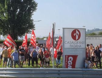 Sciopero alla Casalgrande Padana per il rinnovo del contratto, nei reparti produttivi adesione oltre il 90%