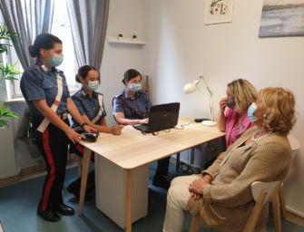 """""""Una stanza tutta per te"""" contro la violenza di genere anche nella caserma dei carabinieri di Castelnovo ne' Monti"""