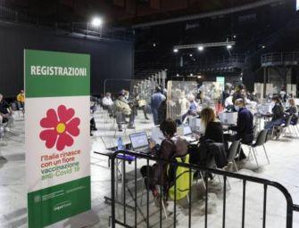 A Bologna anticipate le seconde dosi del vaccino AstraZeneca per le persone over 60
