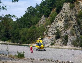 Ragazzo di 22 anni colto da un malore mentre nuota nel torrente Ceno: è gravissimo