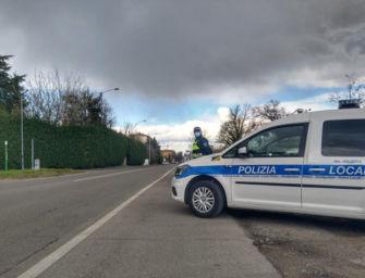 Automobilista di 74 anni multato e denunciato dopo un pericoloso inseguimento per le strade di Sassuolo