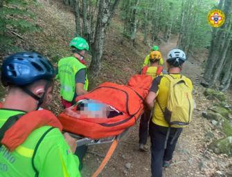 Appennino modenese. Escursionista di 44 anni cade e si ferisce a una gamba: recuperata dal Soccorso alpino