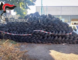 Reggio. Il deposito abusivo di rifiuti è sotto sequestro, ma continua ad alimentarlo: denunciato per la seconda volta