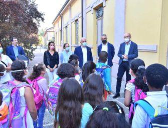 Prima campanella, in classe sindaco e assessora: al Malaguzzi nuova sede per la 'Scuola diffusa'