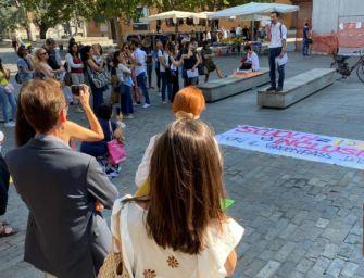"""""""Abolire il Green pass subito"""", Scuola e libertà in piazza a Reggio e Modena"""